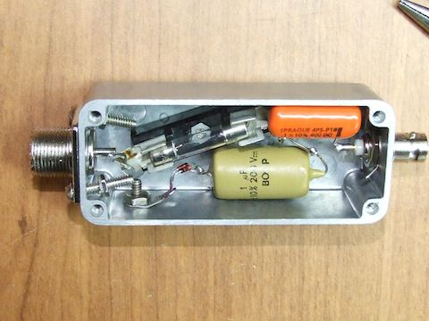 Ham radio projects: the FEP with its parts installed in the enclosure.